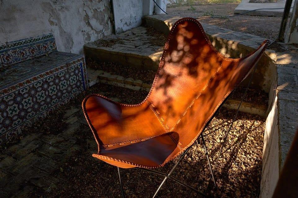 Por qué está de moda la silla Butterfly y donde comprarla en 2020. En este post te acercamos a la historia de una de las sillas icónicas del diseño industrial