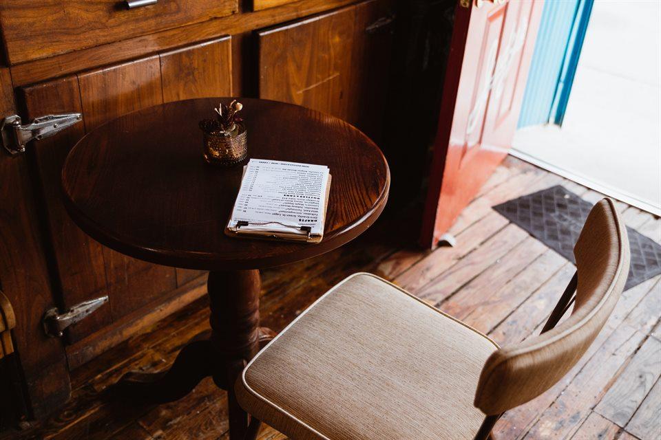 Donde comprar mesas auxiliares vintage y cómo combinarlas 3