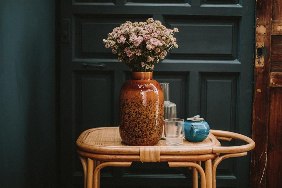 5 muebles auxiliares de estilo vintage para una entrada con personalidad